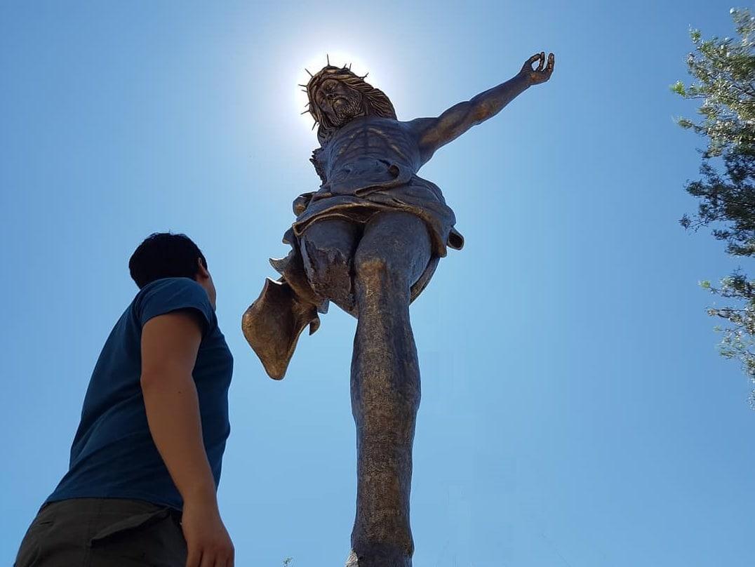 historia del cristo roto
